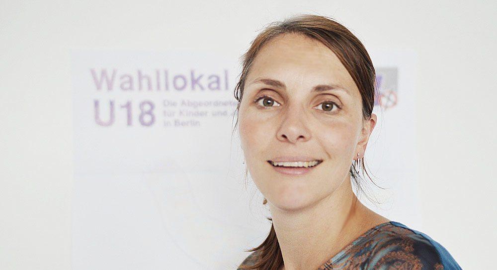 Projektkoordinatorin Diana Föls will mit der U18-Wahl politische Prozesse praxisnah vermitteln. Foto: Henrik Nürnberger